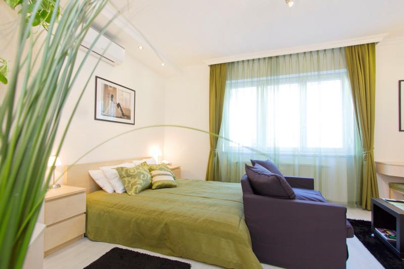 Main room - Luxury Newly Renovated Studio in Buda Near Castle - Budapest - rentals
