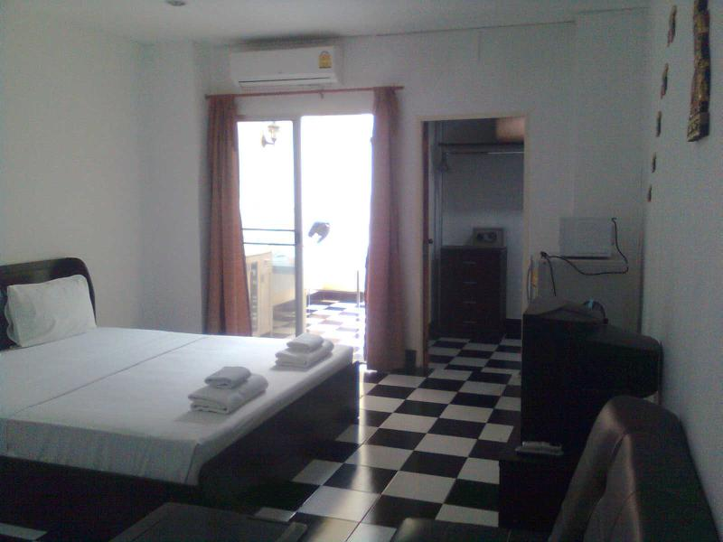 Large bedroom - 60m2 Condominium near the beach - Jomtien Beach - rentals