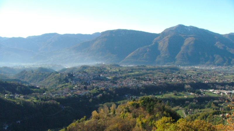 View from Master Bedroom - A House with a View in Ancient Tuscan Village. - Barga - rentals