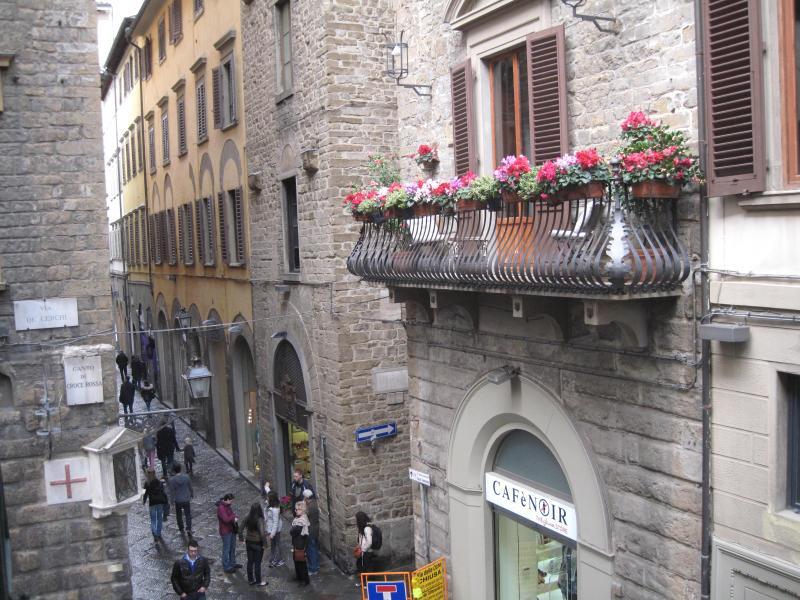 Attractive 1 Bedroom Apartment Duomo Corso - Image 1 - Florence - rentals