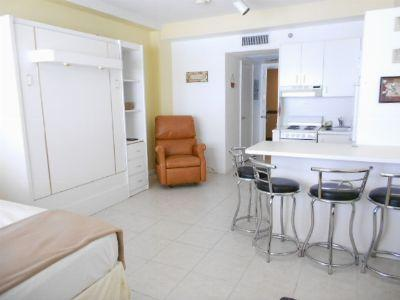Beautifull studio apartment on the Beach - Miami B - Image 1 - Miami Beach - rentals