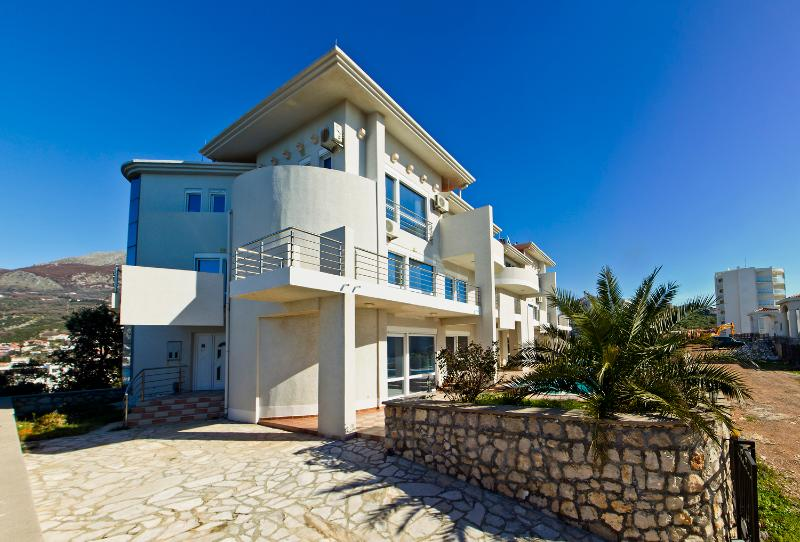 Dobra Voda Villa 6 - Image 1 - Utjeha - rentals