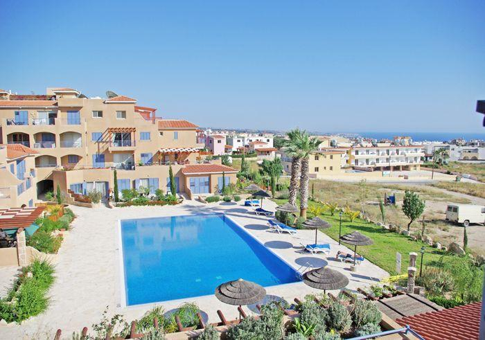 Large swimming pool with stunning views of Coral Bay and the Mediterranean. - Holiday apartment in Paphos with pool - sleeps 4 - Peyia - rentals