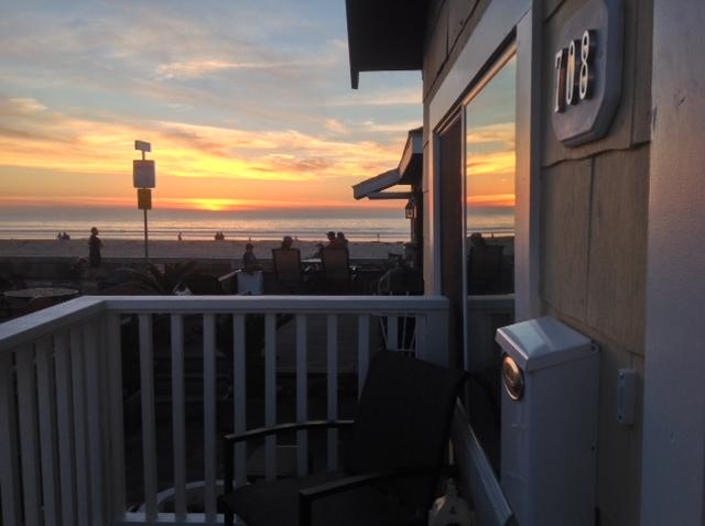 Adorable Cottage one house from the boardwalk! - Image 1 - Pacific Beach - rentals