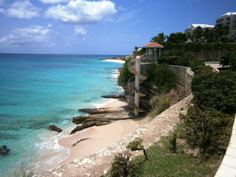 Cielo Azurro - Rainbow Beach Club, St Maarten 800 480 8555 - CIELO AZURRO...penthouse condominium located at Rainbow Beach Club in Cupecoy - Cupecoy - rentals