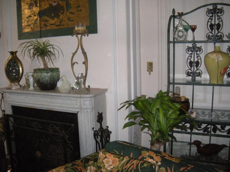 living room - Historic in town Victorian - Newport - rentals