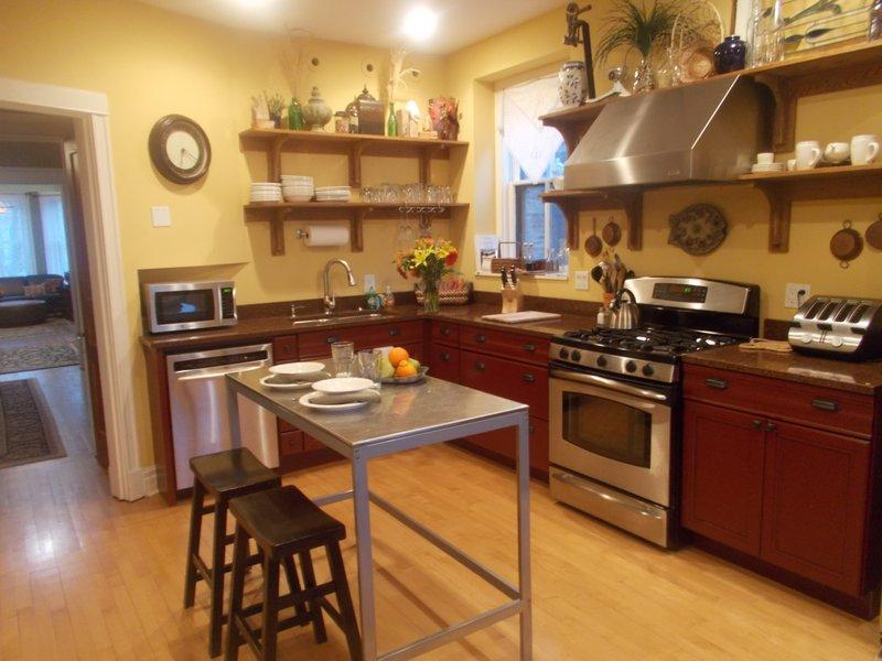 Fully Equipped Kitchen. Everything You Need and More! - Teri's Chicago Guest House * Addison Suite - Chicago - rentals
