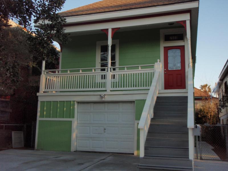 Pretty Victorian Style Home - Newly Remodeled Rental Near The Pleasure Pier - Galveston - rentals
