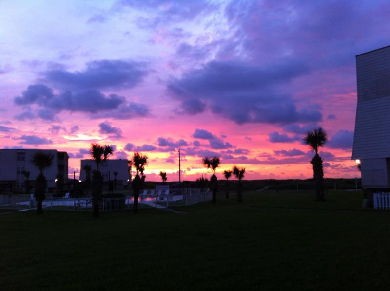 Enjoy the sunrise from inside and outside the condo! - Beach getaway: Fun for the family! - Port Aransas - rentals