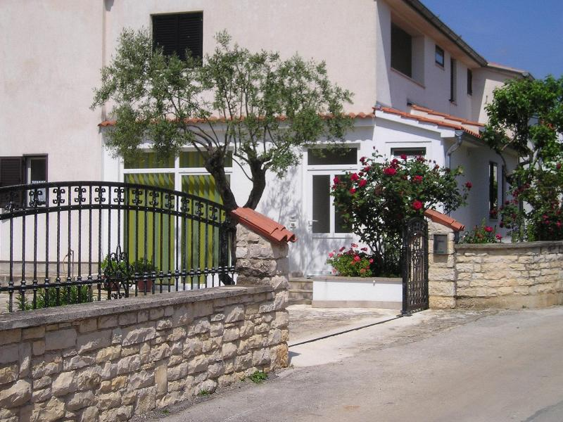 In this house is located the apartment - Apartment for 2 people near beach, bike trails - Rovinj - rentals