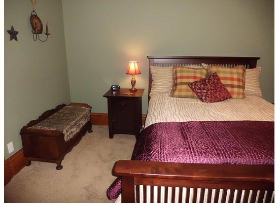 Main Bedroom Queen Bed - Harrison House Apartments - Barnesville - rentals