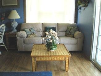 Living room - 10% off 6/6-6/13 2 BR With Balcony Steps to Beach - Dewey Beach - rentals