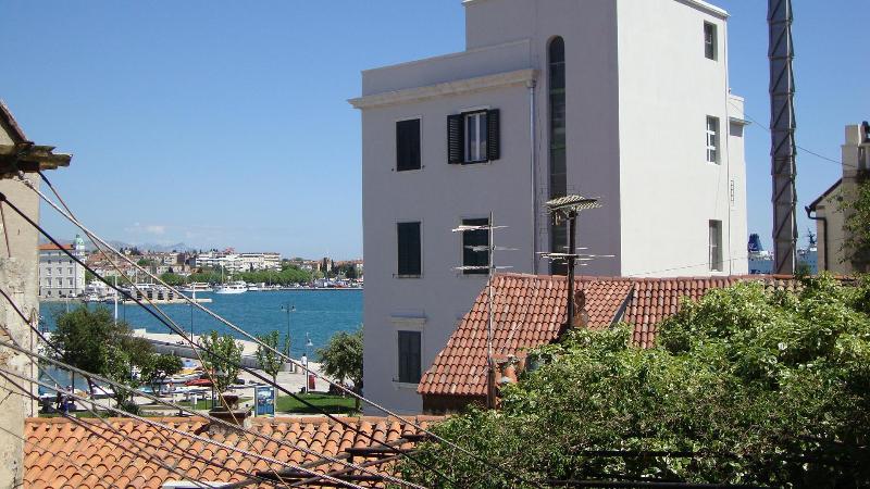 Apartment Zrinka in center of Split - Image 1 - Split - rentals