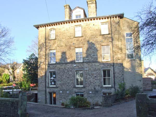 THE GARDEN FLAT, lower ground floor accommodation, enclosed patio, off road parking, two mins walk from centre of Buxton, Ref 29562 - Image 1 - Buxton - rentals