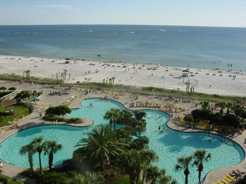 Main pool and private beach - Luxury Edgewater Beach & Golf Resort Unit - Panama City Beach - rentals