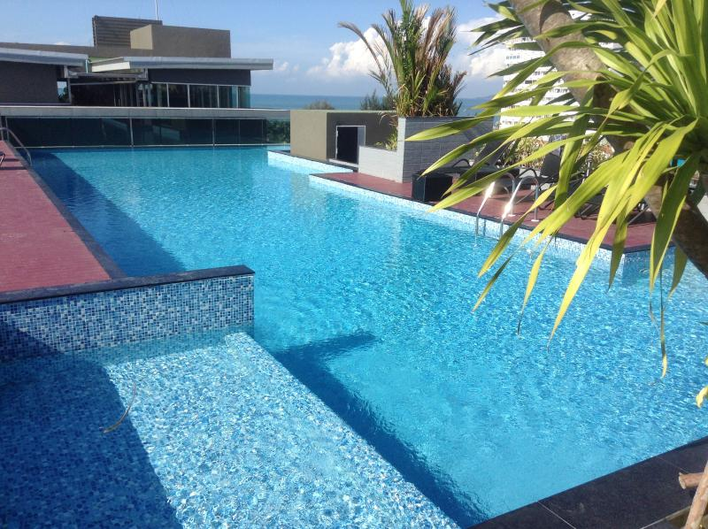 Swimming pool on the roof with jaccuzzi - Brand new studio with roof swimming pool - Pattaya - rentals