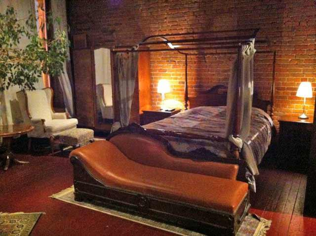 Loft Old Montreal - Must see - Ideal for 2 to 4 - Image 1 - Montreal - rentals
