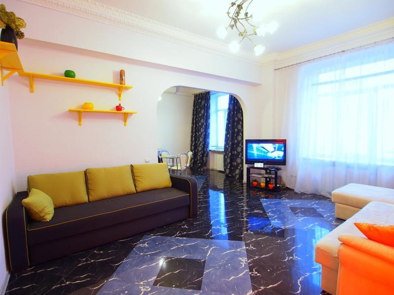 Spacious 1-bedroom Apartment at Khreshchatyk Str - Image 1 - Kiev - rentals