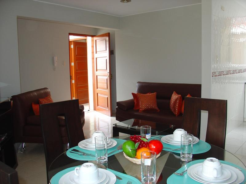 FULLY FURNISHED 1-BEDROOM APARTMENT MIRAFLORES 302 - Image 1 - Lima - rentals