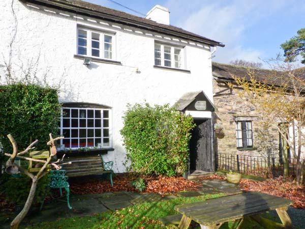 FARMSTEAD, character cottage, woodburner, en-suite, walks from the door, near Coniston, Ref 27144 - Image 1 - Coniston - rentals