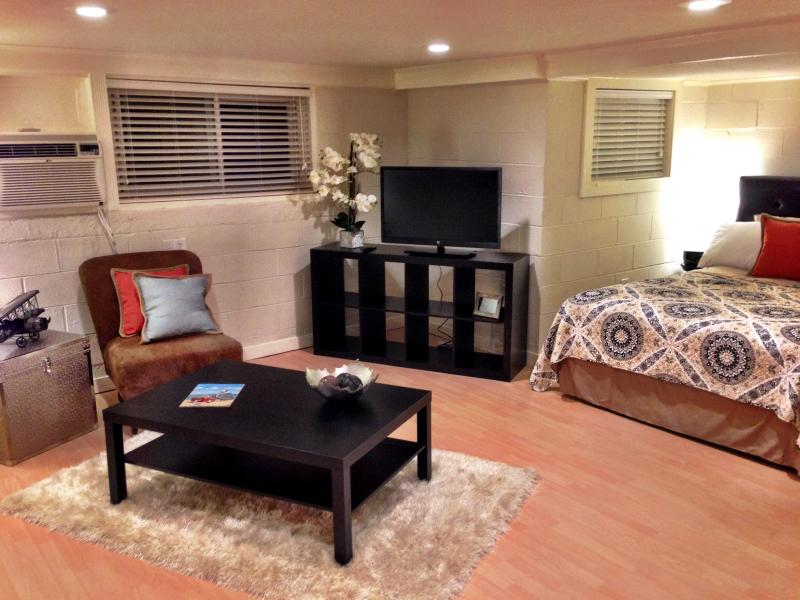 A cute space for your Island getaway. - Efficiency Apt 500' From the Seawall - Tiki Island - rentals