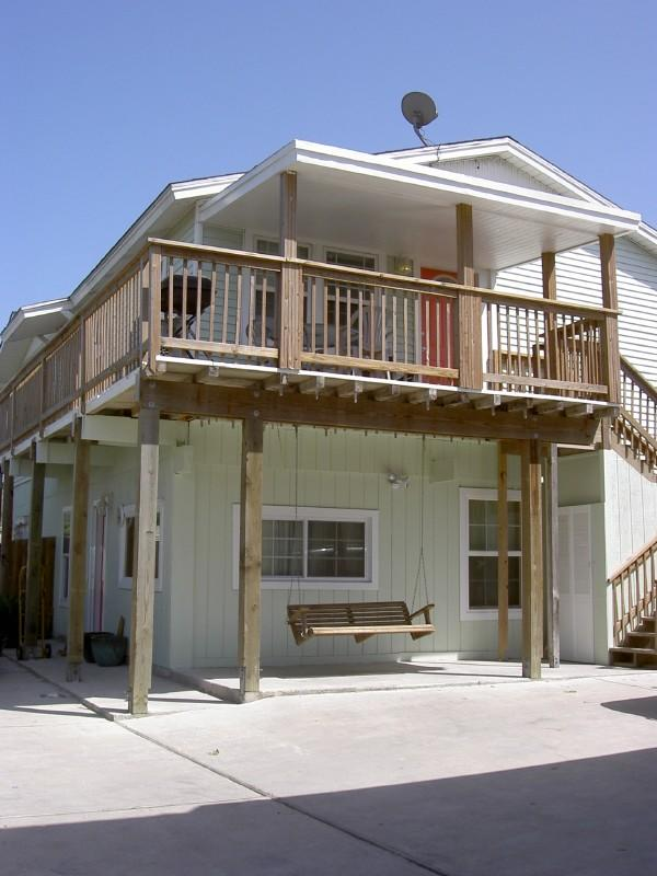 The Green House and Green Two - Beach Close,  25 Ft Pool, Sleeps 10, Pets Welcome - Port Aransas - rentals