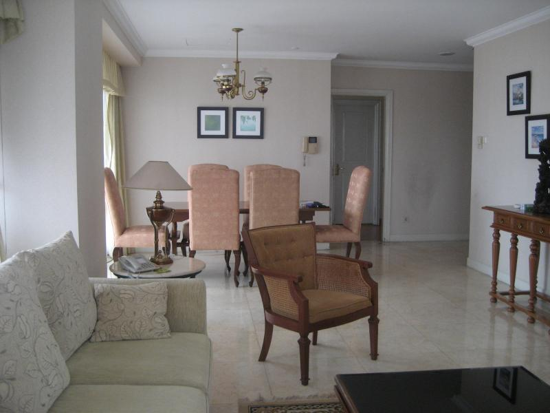 Dinning and Living Room - For Rent Fully Furnished Spacious 3 Bedroom Apartm - Jakarta - rentals