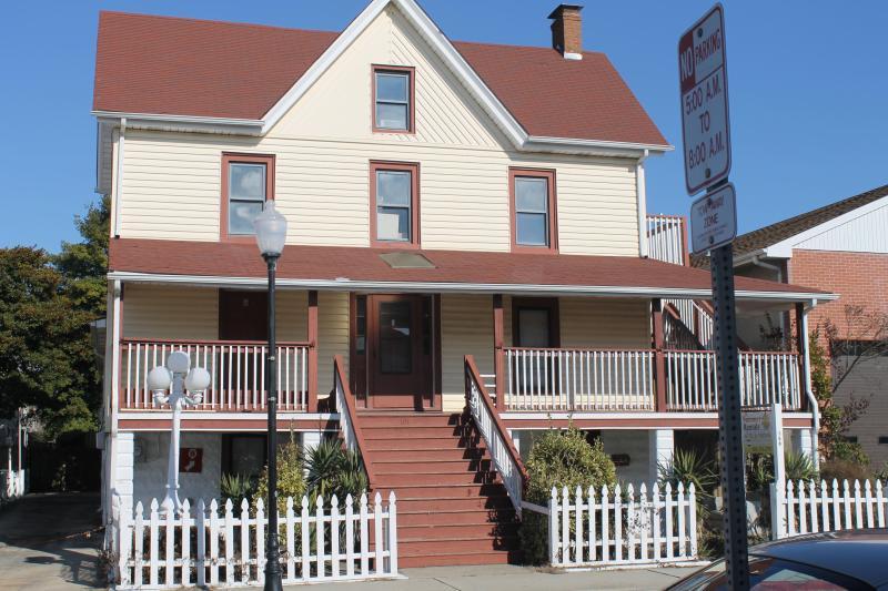 104 Dorchester St. - Apt 5, 2d Floor - Group or Families - Ocean City - rentals