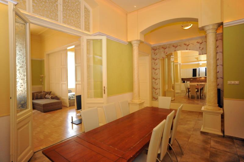 Apartment for up to 14 persons - feelBudapest 140 sqm 3 baths 14 sleeps - Budapest - rentals