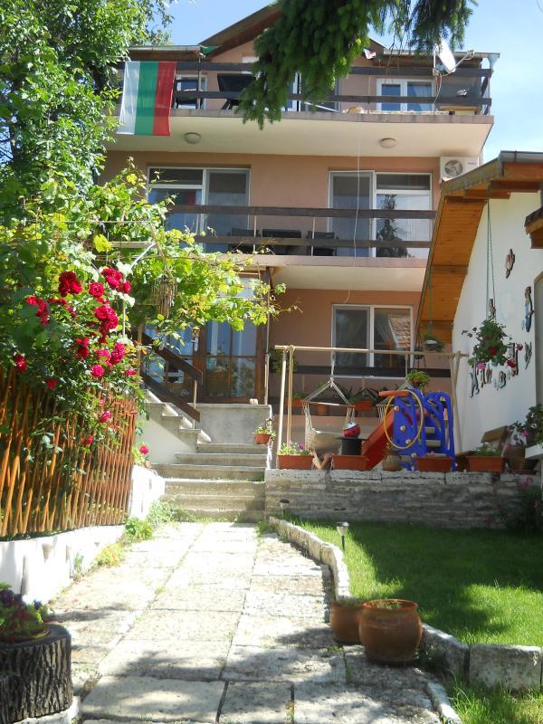 Villa Snezhanka - Image 1 - Albena - rentals