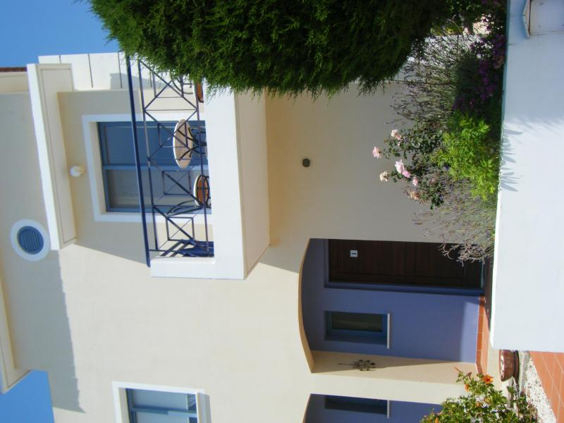 The Front of Zeus - Heavenly 2 bed (sleeps 6) - lovely pool & nr beach - Paphos - rentals