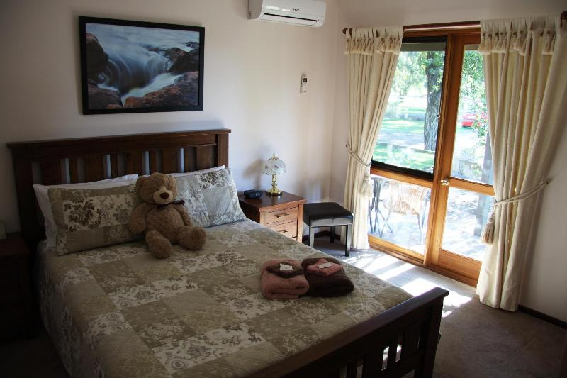 Standard Queen B & B Room includes breakfast. - Bed and Breakfast Perth - Armadale - rentals