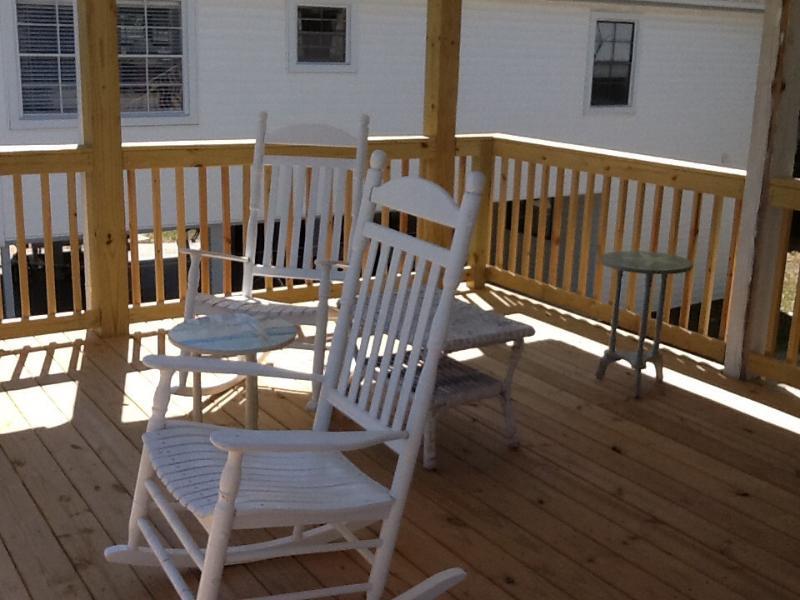 New Deck - 5 Bdm 4 Bth 1 min.walk to Bch, includes apartment - Surfside Beach - rentals