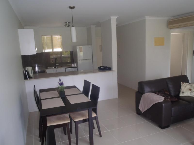 Dinning/Kitchen view - Palm Cove , Australia, North Queensland. - Palm Cove - rentals