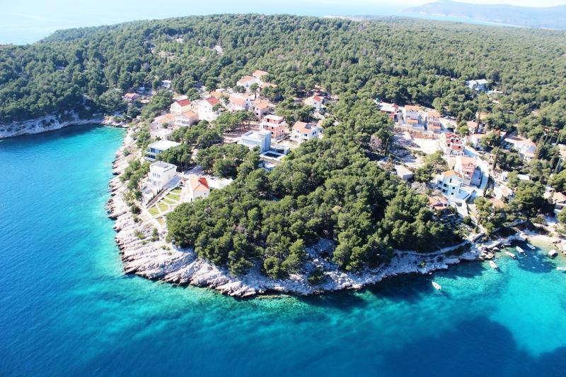 House Deni - Image 1 - Cove Makarac (Milna) - rentals