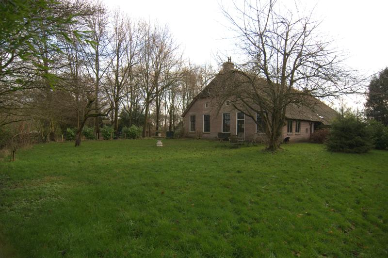 Traditional fronthouse of a farmhouse  at Dutch countryside 1,5 hrs drive from Amsterdam and SPL airport - Image 1 - Wapserveen - rentals