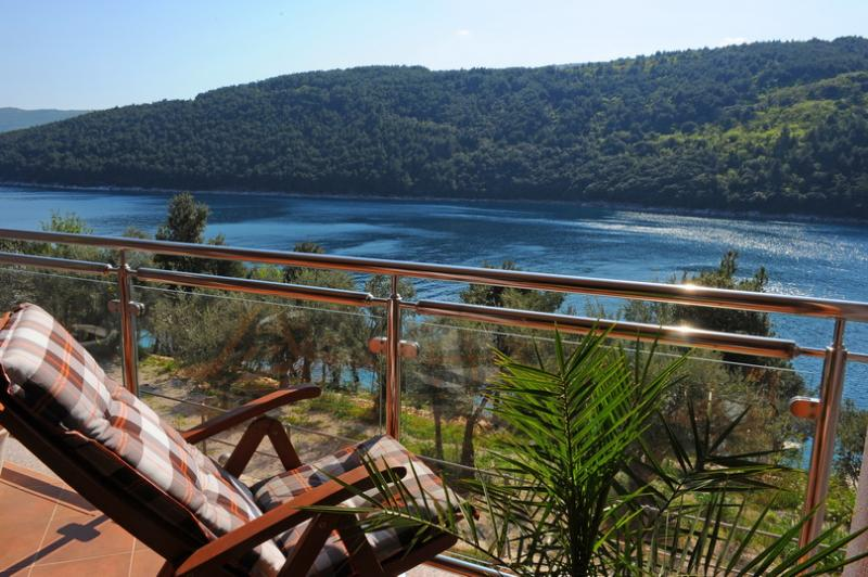 relax on terece - App ORANGE -beautiful new apartment 20m from sea - Labin - rentals