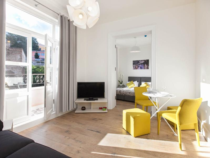 living room - Contemporary designed one bedroom with balcony - Istanbul - rentals