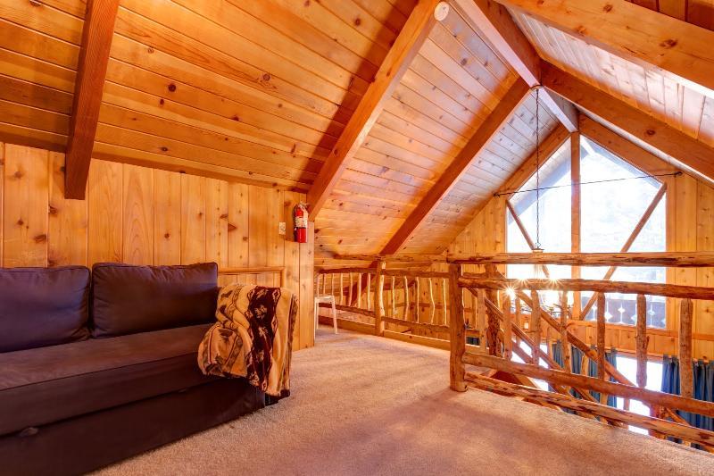 Upstairs loft - Snuggle Bear Cabin Big Bear Lake -  TOP RENTAL - City of Big Bear Lake - rentals