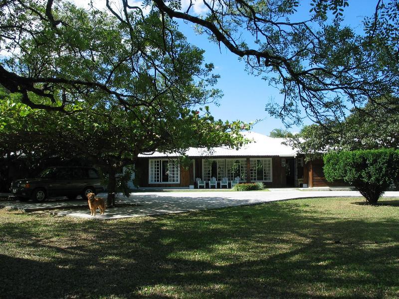 Main house, entrance - Private Villa - Liberia - rentals