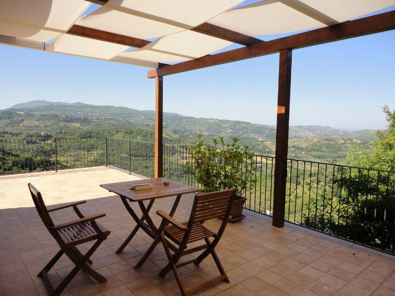 Panoramic terrace with view of Monte Stella from and of the sea at the ho - Fantastic terrace over Cilento National Parc - Ogliastro Cilento - rentals