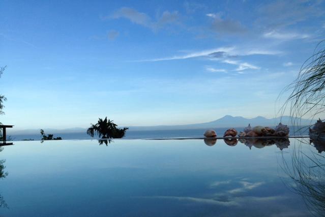 "sunrise from swimmingpool - ""Surf Bungalow"" uluwatu-padang - Pecatu - rentals"