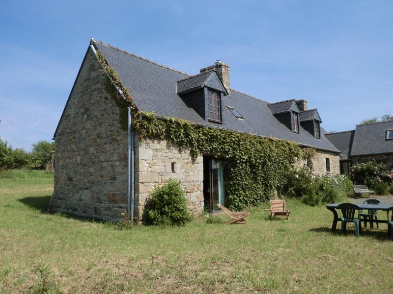 The House - Nice stone house to rent 2 Km from the sea - Saint-Michel-en-Greve - rentals