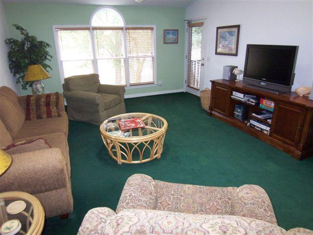 Spacious upstairs living area with vaulted ceiling, large screen TV - 3 BR Villa (4C3), Sleeps 10, Golf,1 Mi. from Beach - Sunset Beach - rentals