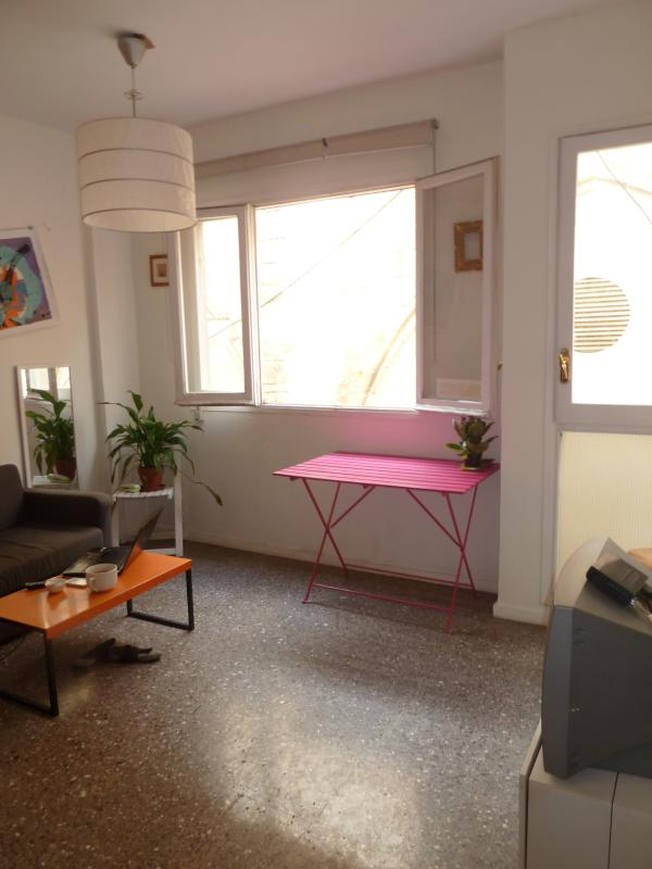 Sunny apartment in the center of Barcelona - Image 1 - Barcelona - rentals