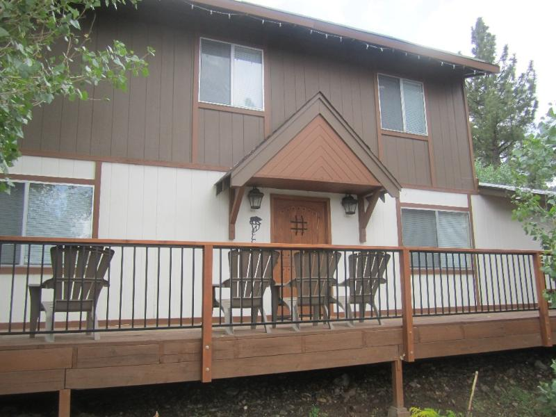 Front Entry - Big Bear Lake Swiss Chalet - Big Bear City - rentals