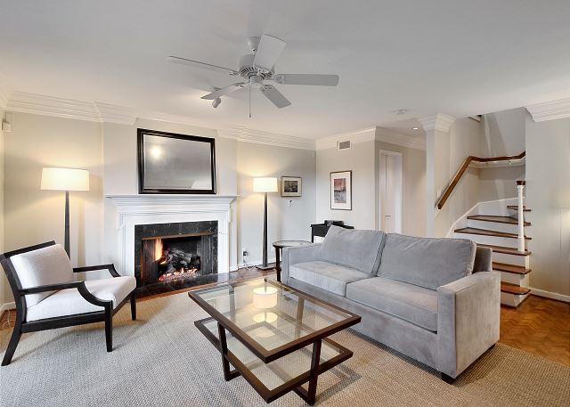 Living Room - 3BR/2.5BA Come Stay in One of Austin's Best Neighborhoods! - Austin - rentals