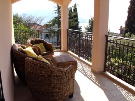 Terrace - Vill with Sea Views only 50 metres to the Sea - Savina - rentals
