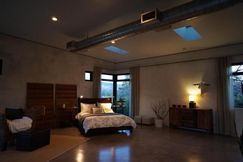 main living space/open duct work/clothes storage/queen bed - Industrial Modern Home in Sedona - Sedona - rentals