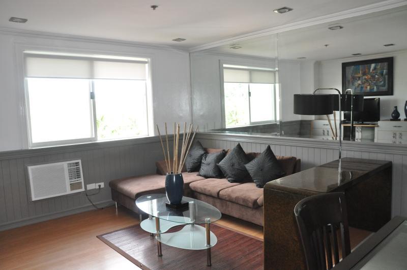 Living Room - Cebu City 2 Bedroom Condo - Cebu City - rentals